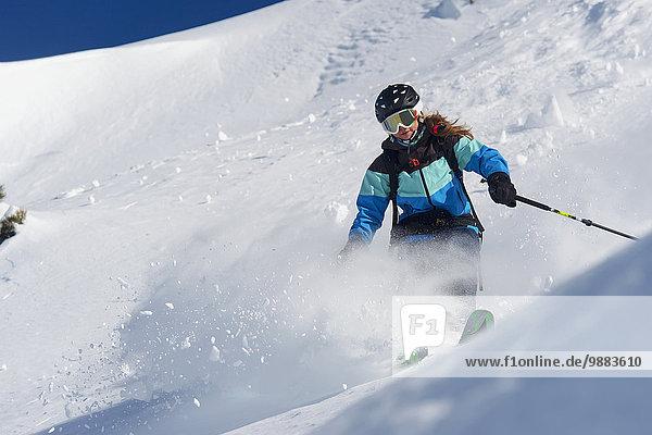 Skisport Pulverschnee Gesichtspuder Kanton Graubünden Schnee