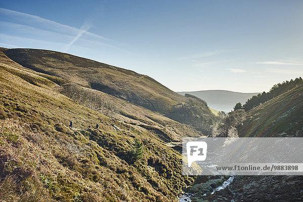 Talbach am frostigen Morgen  Hope Valley  Peak District  UK