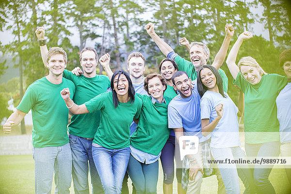 Porträt des begeisterten Teamjubels