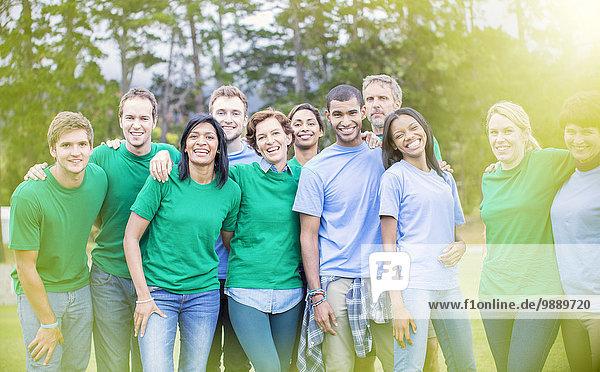 Porträt eines selbstbewussten Teams