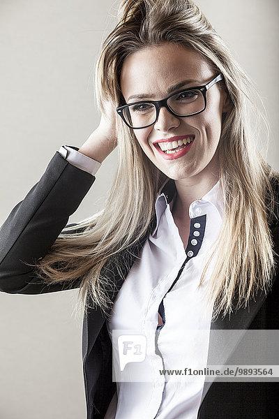 Geschäftsfrau sehen Brille Überraschung