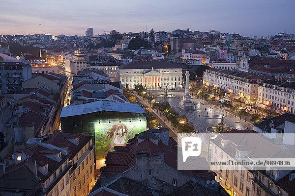 Portugal  Lissabon  Rossio Platz am Abend