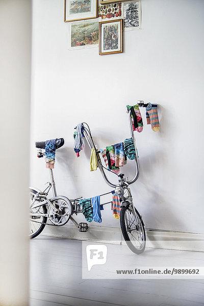 Fahrrad als Wäscheständer benutzt