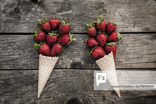 Erdbeeren geformt und Eistüten