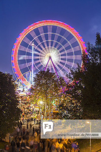 Riesenrad  Cannstatter Volksfest  Cannstatter Wasen  Stuttgart  Baden-Württemberg  Deutschland  Europa