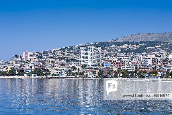 Küstenstadt vom Wasser aus  Sarande  Albanien  Europa