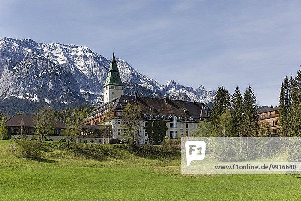Schloss Elmau  Schlosshotel  Austragungsort G7 Gipfel 2015  Klais  Wettersteingebirge  Werdenfelser Land  Oberbayern  Bayern  Deutschland  Europa