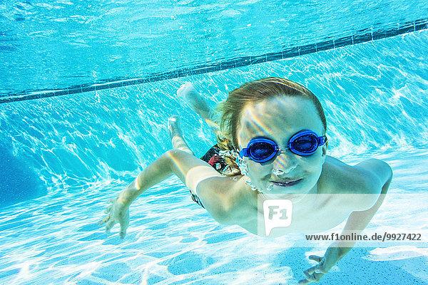 Portrait Junge - Person Schwimmbad Portrait,Junge - Person,Schwimmbad