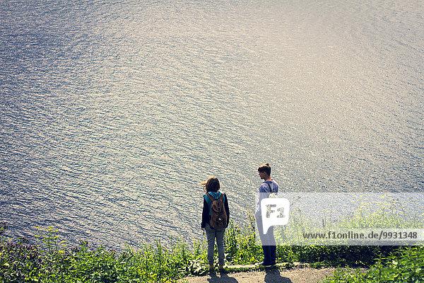 hoch oben nahe stehend Europäer See Ansicht Flachwinkelansicht Winkel
