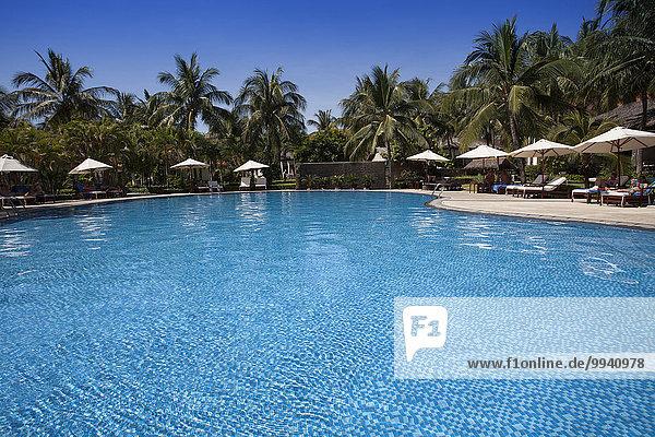Urlaub 5 Reise Nacht Ozean Hotel Beleuchtung Licht Reichtum blau Schwimmbad Asien Tourismus Vietnam