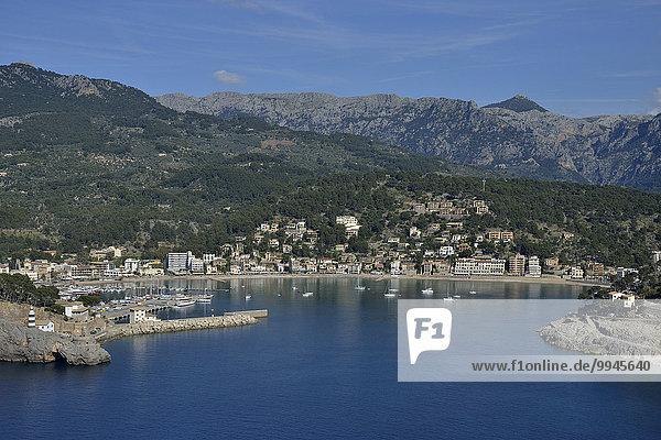 Hafen von Puerto de Sóller  Mallorca  Balearen  Spanien  Europa