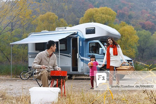 Picknick Menschliche Eltern Außenaufnahme Tochter