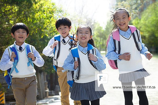 Elementary school back schoolbag go to school