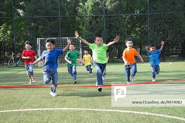 Spur Wettbewerb Junge - Person Feld