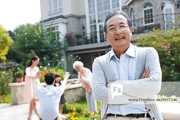 Fröhlichkeit Senior Senioren Garten