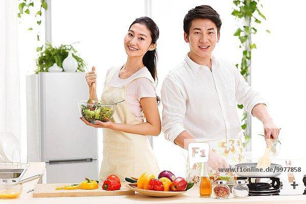 Lebensmittel Vorbereitung Küche jung