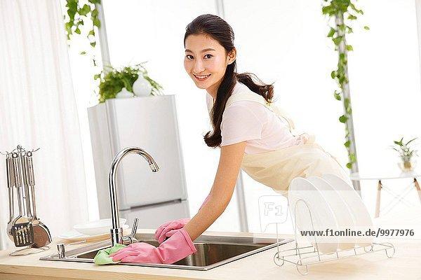 abwaschen Frau Küche