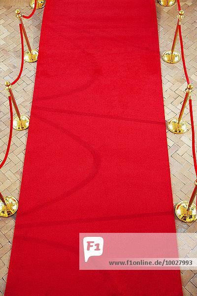 hoch,oben,leer,rot,Teppichboden,Teppich,Teppiche,Ansicht,Flachwinkelansicht,Winkel