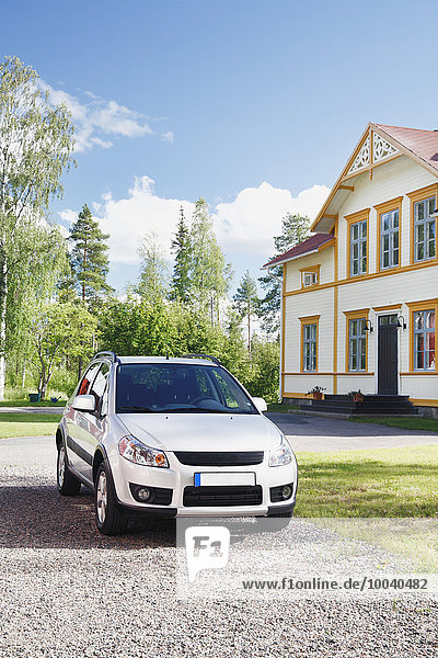 Wohnhaus Auto frontal