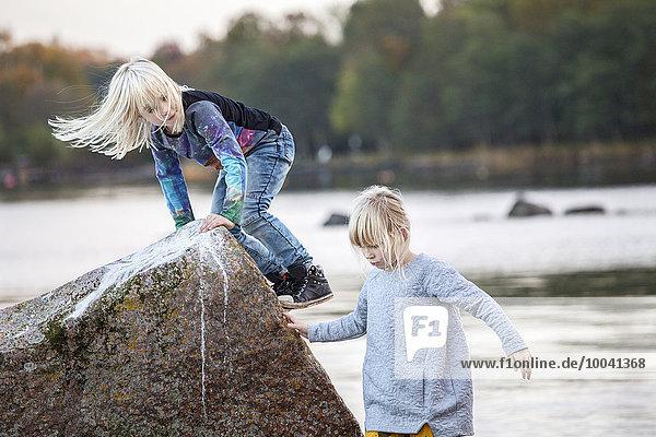 Wasser Mädchen spielen
