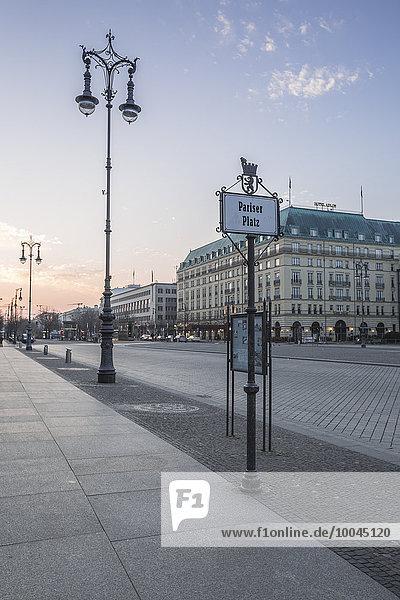 Deutschland  Berlin  Pariser Platz im Morgengrauen Deutschland, Berlin, Pariser Platz im Morgengrauen
