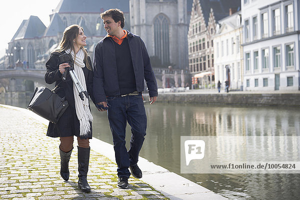 Spaziergang am Leie Flussufer  Gent  Flandern  Belgien