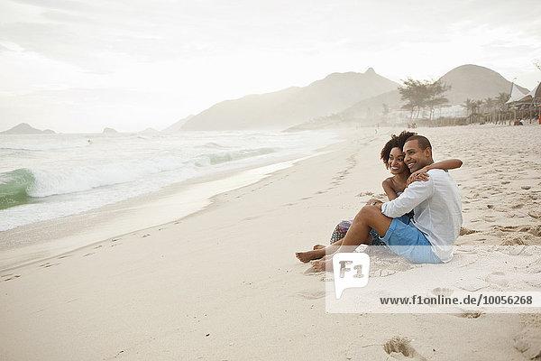 Paar am Strand  Rio De Janeiro  Brasilien