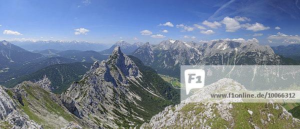 Ahrnplattenspitze  Hohe Munde  Wetterstein  Karwendel  Dreitorspitze  Große Ahrnspitze  Scharnitz  Leutasch  Tirol  Österreich  Europa