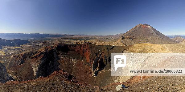 Mt. Ngauruhoe und Red Crater oder Roter Krater  Tongariro-Nationalpark  Ruapehu-Distrikt  Manawatu-Wanganui  Nordinsel  Neuseeland  Ozeanien
