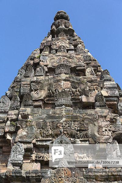 Figuren aus Sandstein auf der Südseite des Prang  Prasat Phanom Rung  Khmer-Tempel  Buriram  Provinz Buri Ram  Isan  Isaan  Thailand Asien