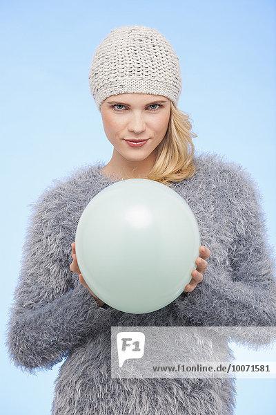 Portrait,Frau,Winter,Schönheit,Luftballon,Ballon,halten