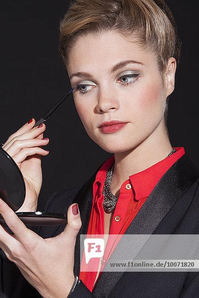 Schöne Frau mit Eyeliner