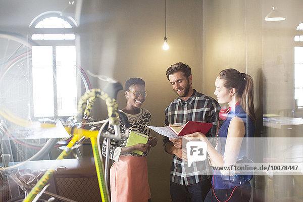 Mensch,Kreativität,Büro,Menschen,Brainstorming,Business