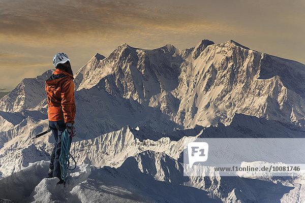 Landschaftlich schön landschaftlich reizvoll Europäer Berggipfel Gipfel Spitze Spitzen Bewunderung wandern Alpen Ansicht Monte Rosa