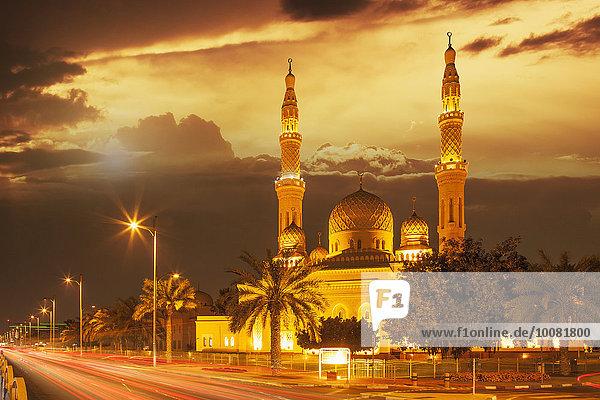 Vereinigte Arabische Emirate VAE Zeit Ansicht Dubai Abenddämmerung Moschee
