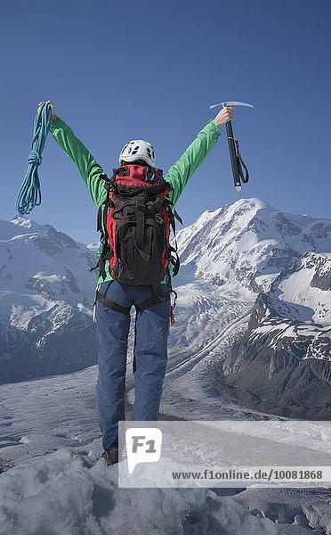 Europäer Berggipfel Gipfel Spitze Spitzen jubeln wandern Alpen Monte Rosa