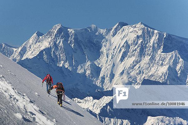 Europäer Berg Schnee wandern Monte Rosa klettern