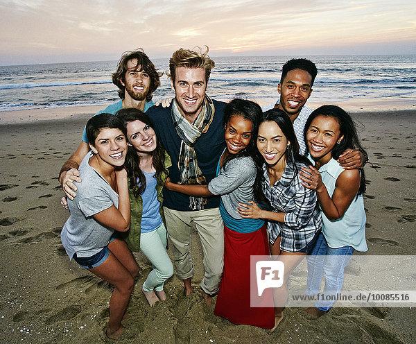 Pose Freundschaft lächeln Strand