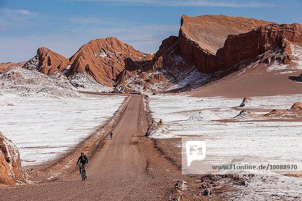 Tal Fernverkehrsstraße Boden Fußboden Fußböden Mond Atacama Chile Speisesalz Salz Valle
