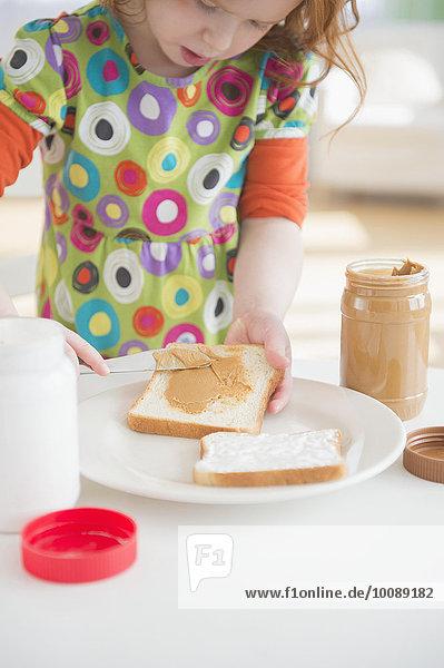 Europäer Brot Mädchen Butter