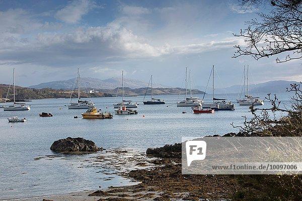 Boote im Hafen  Armadale  Isle of Skye  Hebrides  Schottland