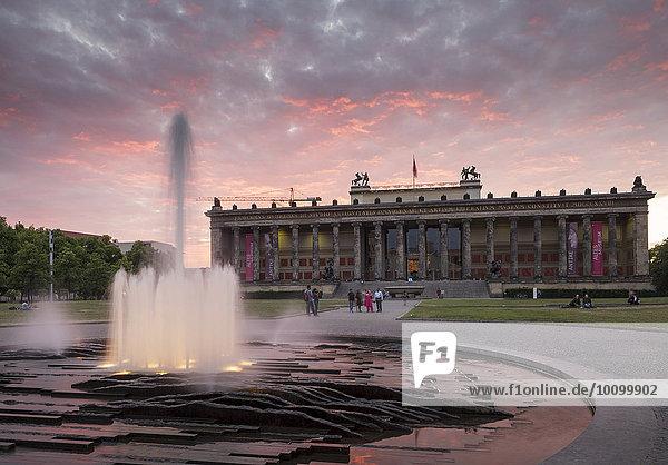 Altes Museum und Lustgarten  Berlin  Deutschland  Europa