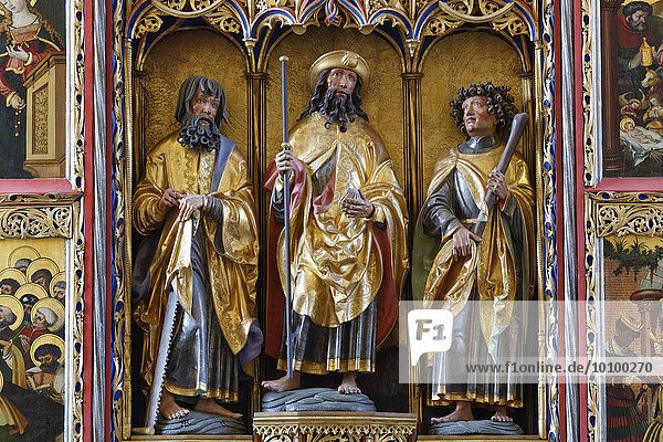 Figures in the late Gothic winged altar by the master of Rabenden  Church of Rabenden  Altenmarkt an der Alz  Chiemgau  Upper Bavaria  Bavaria  Germany  Europe