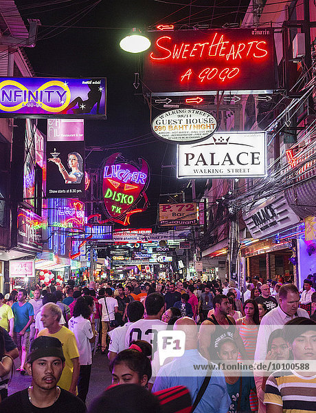 Walking Street  pedestrian zone  nightlife  bars  nightclubs  neon signs  Pattaya  Chon Buri Province  Thailand  Asia