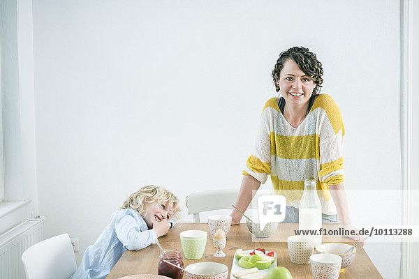 Zusammenhalt Tochter Mutter - Mensch Frühstück Zusammenhalt,Tochter,Mutter - Mensch,Frühstück
