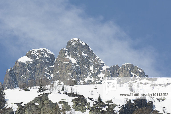 Wintery mountain landscape