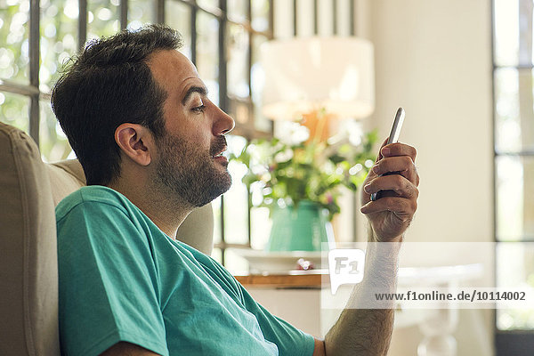benutzen Mann Smartphone