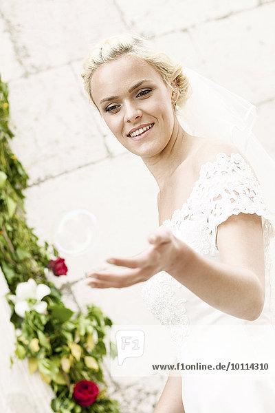 Seife Fröhlichkeit Braut Blase Blasen spielen