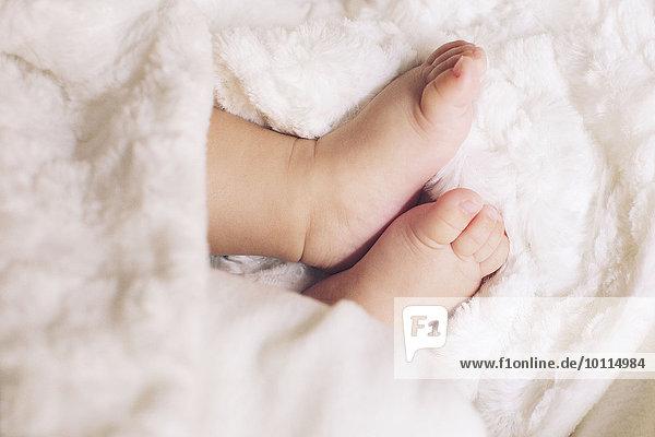 Babys nackte Füße