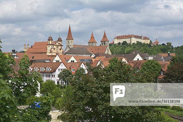 Ellwangen mit Schloss ob Ellwangen  Ellwangen  Baden-Württemberg  Deutschland  Europa